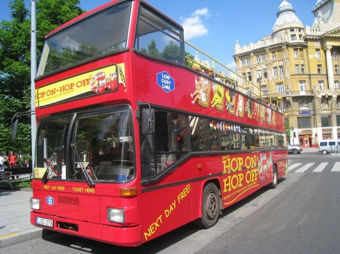 Giraffe-Hop-on-Hop-off-City-Tour-Budapest-Sightseeing-Busz-Berles-01